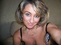 Amel, 44 ans, Bisexuelle, cherche rencontre durable